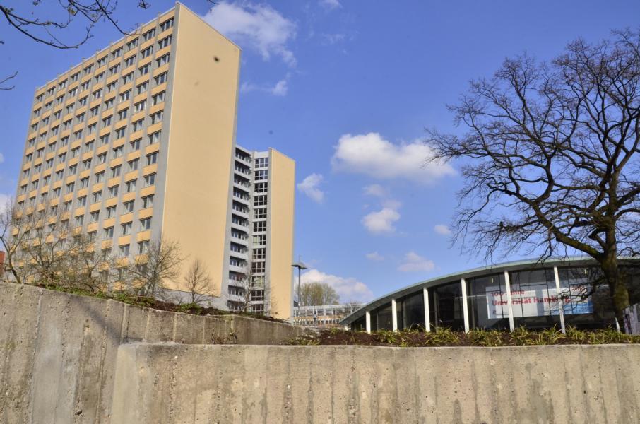 der Philosophenturm und 10 Jahre Hamburger Uni